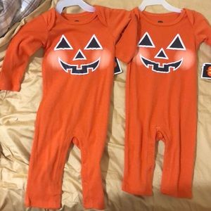 Other - Halloween matching onesie twin 3-6 & 6-9 NWT